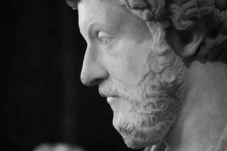 1280px-Marcus_Aurelius_-_Louvre__Bradley_Weber_(33936918163).jpg