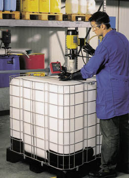 chemikalientransfer schnell und sicher vertikale nassaufgestellte pumpe f r alle g ngigen 1000. Black Bedroom Furniture Sets. Home Design Ideas