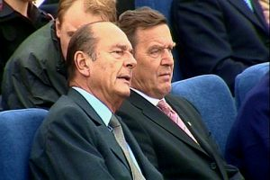 Chirac_and_Schroeder_on_the_Neva.jpg