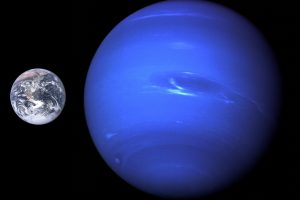 Neptune,_Earth_size_comparison_2.jpg