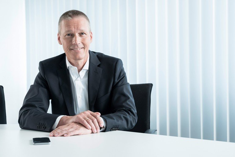 CEO_der_Division_Digital_Factory,_Siemens_AG.__CEO_of_Digital_Factory_Division,_Siemens_AG_