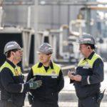 Mitarbeiter_im_Dialog_am_Standort_Castrop-Rauxel_Rain_Carbon_Dupont_Sustainable_Solutions