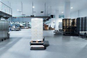 Fahrerloses_Transportsystem_Trapo_AG