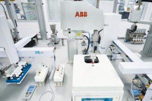 ABB_Roboter_für_Laboranalytik