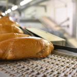 RFID_statt_Tinte:_RFID-Tags_an_Kisten_und_Behältern,_beispielsweise_für_Brot_oder_Brotteig,_sorgen_für_eine_eindeutige_Identifizierbarkeit