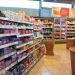 In_den_Regalen_der_Supermärkte_finden_sich_zahlreiche_Verpackungen,_die_auf_Papieren_und_Kartonen_von_Sappi_basieren
