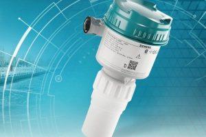 Siemens_bringt_mit_dem_Sitrans_Probe_LU240_seinen_neuesten_Ultraschall-_Füllstandmessumformer_mit_Hart-Kommunikation_auf_den_Markt._Das_robuste_Gerät_misst_zuverlässig_Füllstand,_Volumen_und_Durchfluss.__Siemens_presents_Sitrans_Probe_LU240,_its_newest_ul