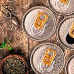 Als_Koffeinquelle_für_Energy_Drinks_nutzt_Döhler_beispielsweise_Grün-_und_Schwarztee._Beide_enthalten_von_Natur_aus_Koffein_(Thein)._Sie_sind_damit_die_perfekte_Basis_für_Produkte_mit_einem_natürlichen_Image.