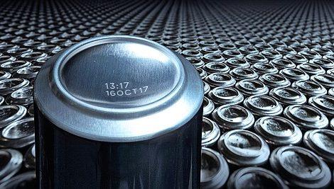 Getränkedosen präzise und schnell kennzeichnen