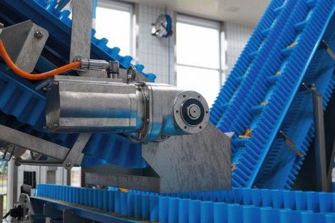 Hygienische Getriebemotoren im Einsatz in einer Fischverarbeitungslinie
