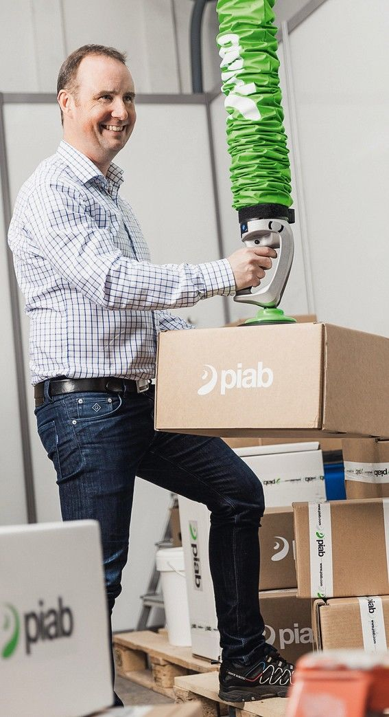 Piab_Vakuumhebelifter_Pilift-Smart_und_Vakuumförder_Piflow-P-Smart