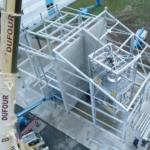 Installation_eines_Hydrierreaktormoduls_beim_Betreiber