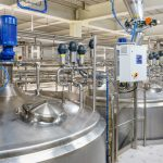 pharmaceutical_factory_equipment_mixing_tank_on_production_line_in_pharmacy_industry_manufacture_factory