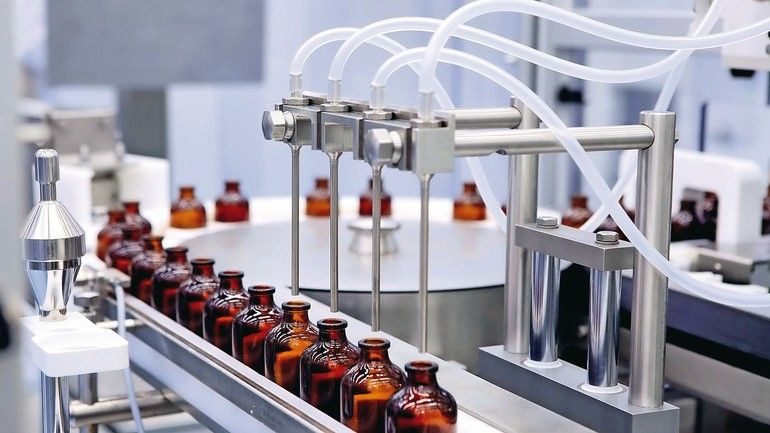 Bottling_and_packaging_of_sterile_medical_products._Machine_after_validation_of_sterile_liquids._Manufacture_of_pharmaceuticals.Laser_control_medicine._Ultra_precision_equipment._Creating_drugs._Insulin.