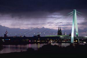 Das_Kölner_Stadtpanorama_mit_der_Severinsbrücke